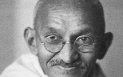 Gandhi vuelve a interpelarnos